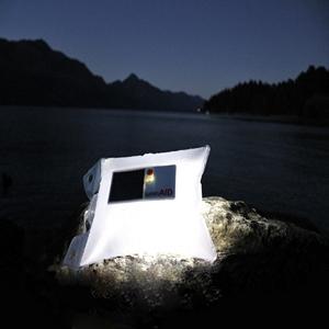 solar-inflatable-light-1377875609-jpg